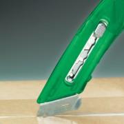Bezpečnostní nůž pro praváky - zelený - BN S4R