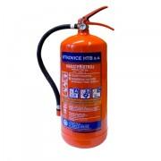 Práškový hasicí přístroj s hmotností hasiva 6 kg.